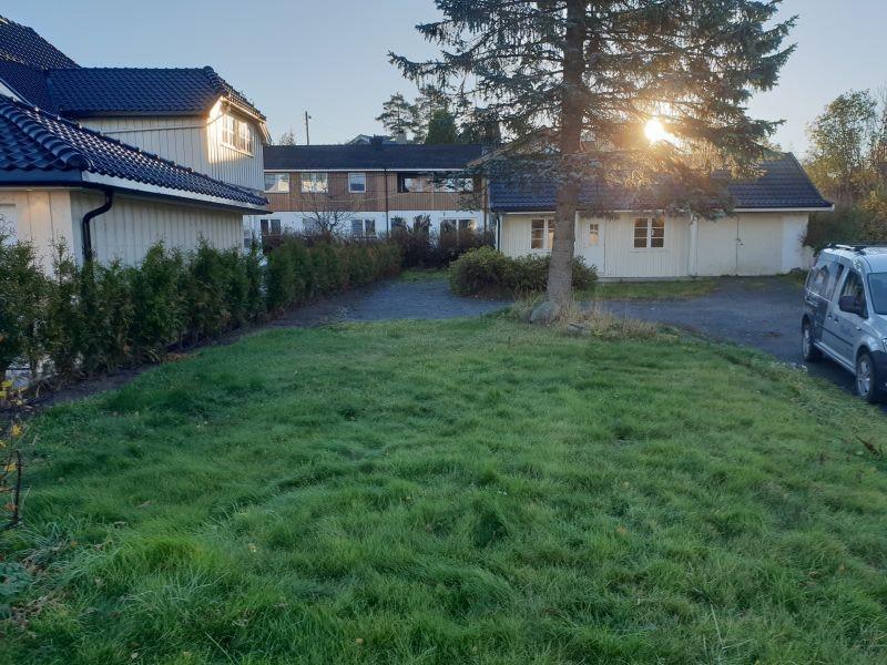 Sentralt beliggende tomt i rolig område på Fjellhamar // Byggeklausul til BoligPartner