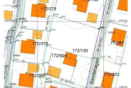 Jessheim/Sand: Stor og fin eneboligtomt i etablert boområde nært skole og nærbutikk 836 m2|30% BYA|enkel å opparbeide|