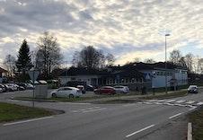 Barneskolen i området som ligger en liten spasertur fra tomten.