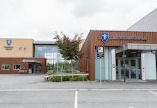 Skolen Og Hallen