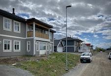 Bilde av ferdigstilte hus på feltet