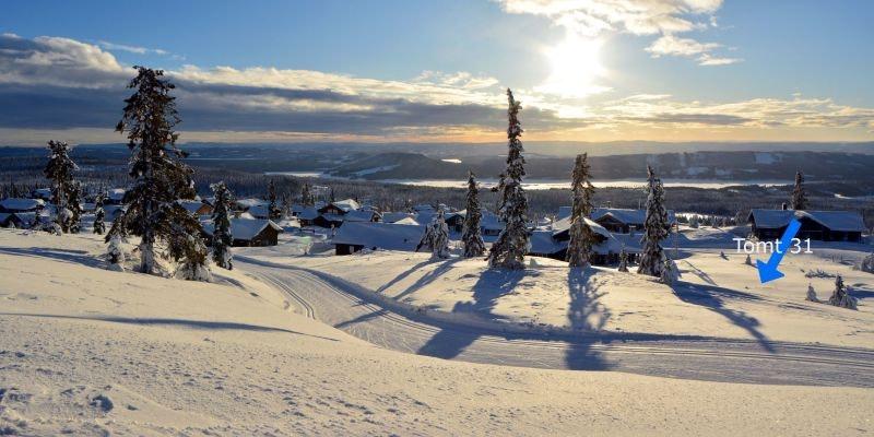 Solrik selveiertomt med storslagen utsikt i Birkebeinerbakken Panorama- Sjusjøen. Langrennski in/out!