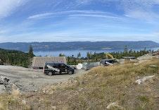 Panorama-utsikt fra midt på tomta!