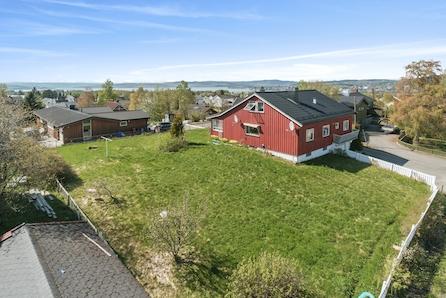 Eneboligtomt til salgs midt i Ottestad, familievennlig beliggenhet med god utsikt!