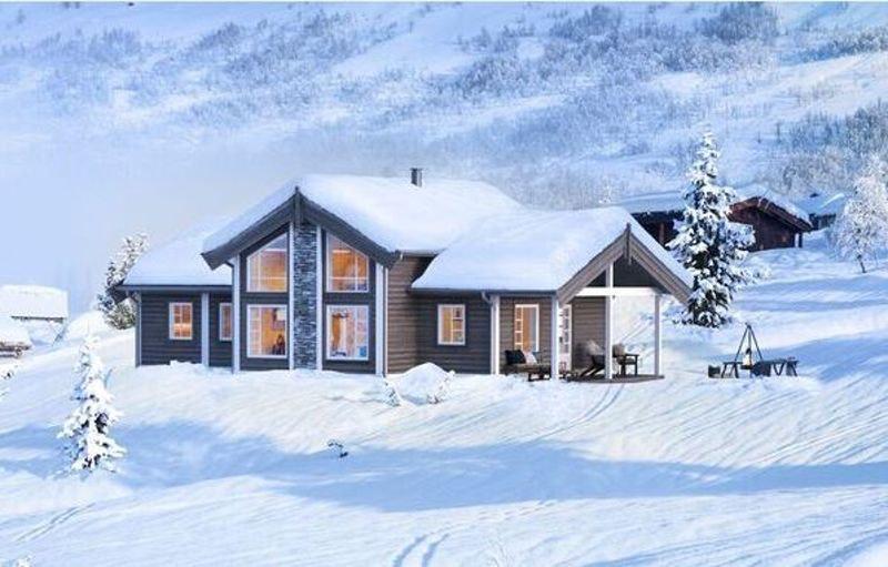 Denne hyttedrømmen med 3 soverom+hems kan leveres innflytningsklar på koselige Trysilsetra.