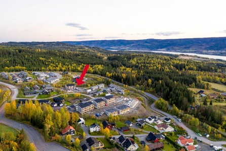 SKOGENÅSEN, Søre Ål – Ny, romslig tomannsbolig! 4 soverom, 2 bad, 3 uteplasser! Barnevennlig område med flott solgang!