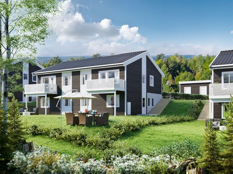 9 av 10 solgt! Familievennlig, sentralt beliggende tomannsbolig. 4 sov, 2 bad,  vaskerom, carport, utebod og hage.