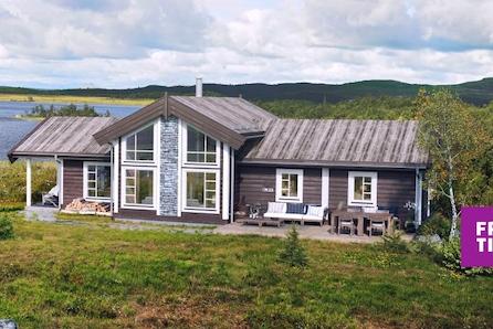 Sosial hytte med smarte løsninger! Nøkkelferdig på stor, solrik tomt på Nordseter. Ski in/out!
