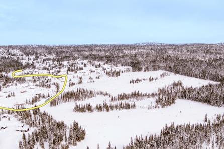Solrike, store selveiertomter! Flott utsikt, kort vei til Lillehammer og Sjusjøen. Langrennski in/out