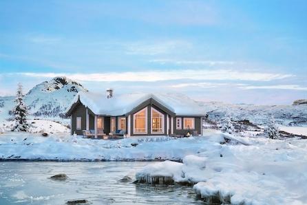 Lifjell/Høgefjell, Fantastisk utsikt. Romslig familiehytte med 3 soverom og hems.