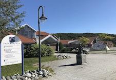 Tysværtunet som har blant annet svømmehall og bibliotek å tilby.