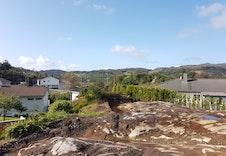 Nydelig utsikt fra 2. etg. for kommende bolig. Bilde tatt fra tomta.