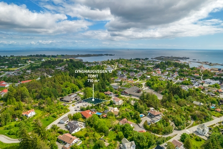 Skudesneshavn - Flott boligtomt beliggende i etablert område, sentralt, nær barnehage og skole.