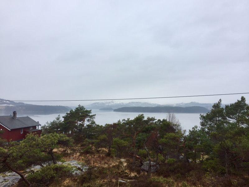 Flott selveiertomt ca 90 meter fra sjøen! Båtplass er inkludert.