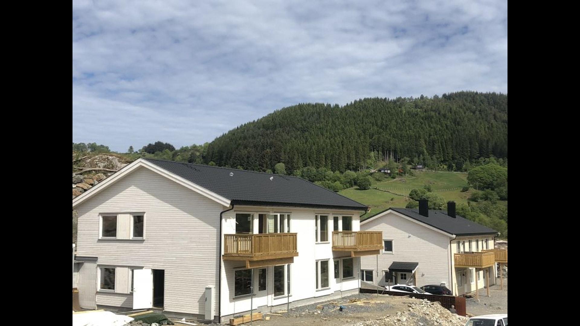 Ypperlig ALVERSUND - Moderne 4-mannsbolig i Stølhaugane - Bare… | BoligPartner YV-21