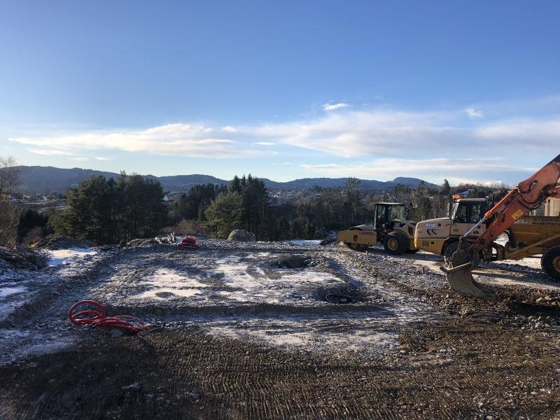 Prosjektert tomannsbolig i Alversund. Byggingen er i gang!  En ledig!
