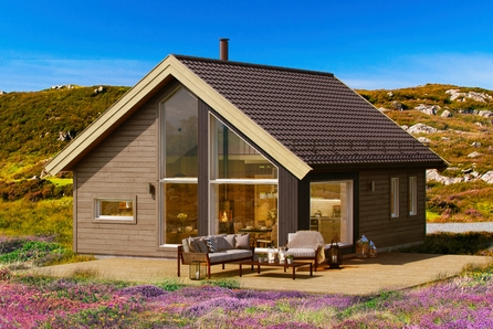 LYSØYA/AVERØY - Koselig og plasseffektiv hytte fra BoligPartner med bruksareal på 47 m² + hems 10,5 m²