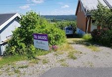 Bilde av felles innkjøring til eiendommen i Oldervegen 1.