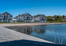 Stor og flott brygge/marina ved Støtvig hotell.