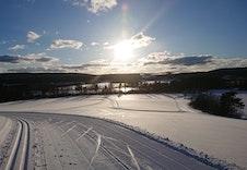 Nypreppa skiløyper på jordene på Hallingby