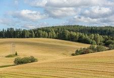 Sørumsand ligger idyllisk til med sin nærhet til Glomma og flotte landbruk - og friluftsområder.