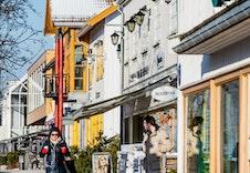 Jessheim sentrum med et godt utvalg av cafeer og restauranter.