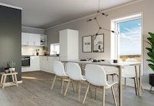 Kjøkkenet med stort vindu ved spiseplassen gir godt med dagslys. (Bildet er en illustrasjon og vil derfor avvike fra virkelig miljø og omgivelser).