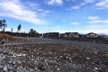 Nannestad/Ramstadåsen: Stor, byggeklar  tomt - Kort vei til barnehage, barneskole og marka