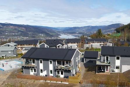 SKOGENÅSEN,Søre Ål - Perfekt for barnefamilier, flott solgang!  4 sov, 2 bad, 2 verandaer! 1 halvpart SOLGT!