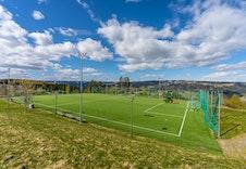 Fotballbane Skogen Sør, kun et steinkast fra boligområdet!