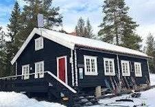 Skihytta Trondsbu holder åpent for servering i skisesongen