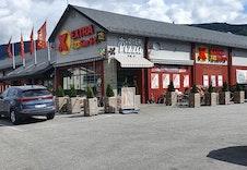 Coop Extra, Øyer Pizza, posten og tipping ligger kun et steinkast unna Granrudtunet.