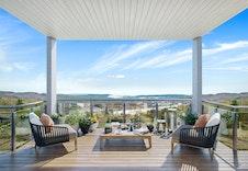 Illustrasjon. Panorama bilde fra balkongen.