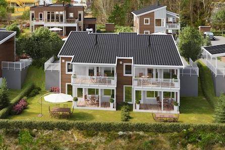 Bo godt i Miljøhagen på Midtun! Energivennlig og økonomisk tomannsbolig med høy standard. 1 solgt - 1 ledig.