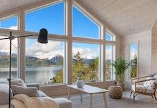 Bilde fra hytte på tomt nr.2, hele den vakre naturen, rett inn i hytten!