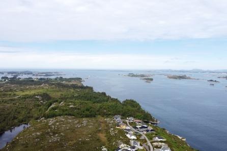 NY PRIS! -  Solrike tomter med sjøutsikt til salgs på Åråsvågtoppen-Austrheim! Knapp time å kjøre fra Bergen.