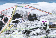 Spenn på deg skia ved hytteveggen og renn ned til en av skiheisane som tar deg opp til 14 nedfartar.