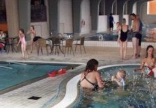 Badeanlegget på kulturhuset passer både for liten og stor