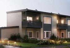 Fern er en flermannsbolig med fire romslige leiligheter. Utvendig sportsbod følger med alle leilighetene.