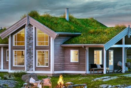TEVELDAL - De gode minnene skapes på hytta. Denne nøkkelferdige Midthø med 3 soverom og romslig hems kan du få i dette aktivitetsparadiset,