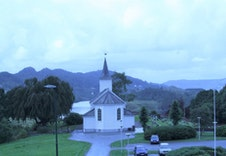 Alversund kirke 1.7 km