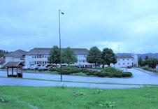 Alvesund barneskole (1,7 km)