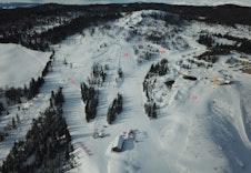 Familieområdet på toppen av skisenteret
