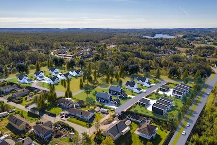 Ny og praktisk leilighet på 46m2  på bakkeplan sentralt på Svøo klar for innflytting. Betydelig oppgradert.