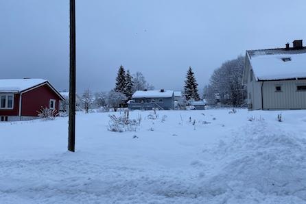 Sentrumsnær tomt i Raufoss - Vestvendt og solrik tomt