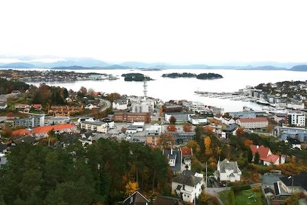 6 flotte tomter for salg i Holevegen nær Leirvik sentrum!