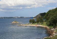 Den nærmeste badastranda er Holmavika.