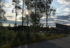 Tomten fra øst med utsikt mot nord/vest