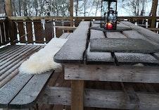 """Hyttetunets samlingspunkt.  Her arrangeres det b.la. """"påskerenn"""" og påskefest hvor hytteeierne samles ved felleshuset for grilling og aktiviteter for både store og små."""