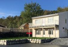 Ny leilighet med flott og solrik hage